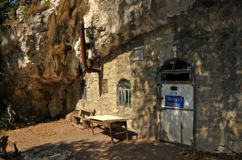 2009-08-21 Odvas-kő-barlang Mályinka és Szentlélek között a Bükkben